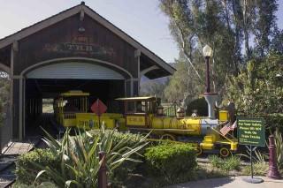 This steam locomotive replica chugs around Tom's Farms in Corona, California.