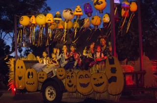Halloween is also harvest time on the farm for pumpkins and more in the 2014 Anaheim Halloween Parade.